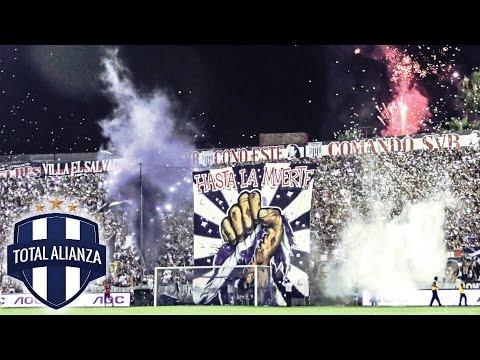 [HD] #LoQueNoSeVio │ Noche Blanquiazul 2015 - La previa, el recibimiento, cánticos y mucho mas