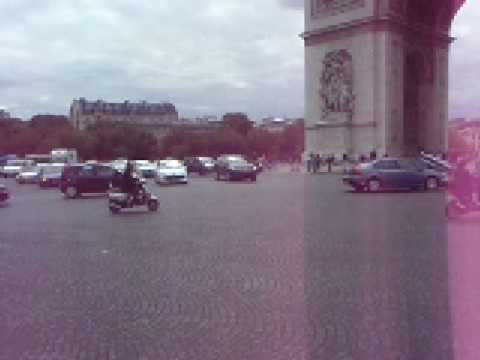 Bad Traffic - Champs Elysees Round about in Paris