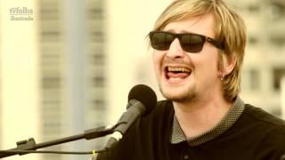 Vocalista do Echo & The Bunnymen toca no heliponto da Folha; veja