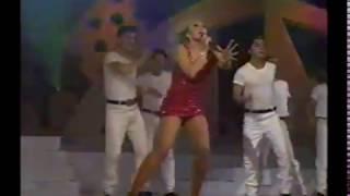 LAURA  LEON  LA REINA DE EL BAILE