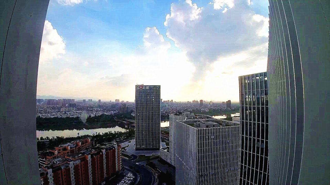 游浙江:站在全市最高的楼看整个市区,你们感觉这个三线城市如何?
