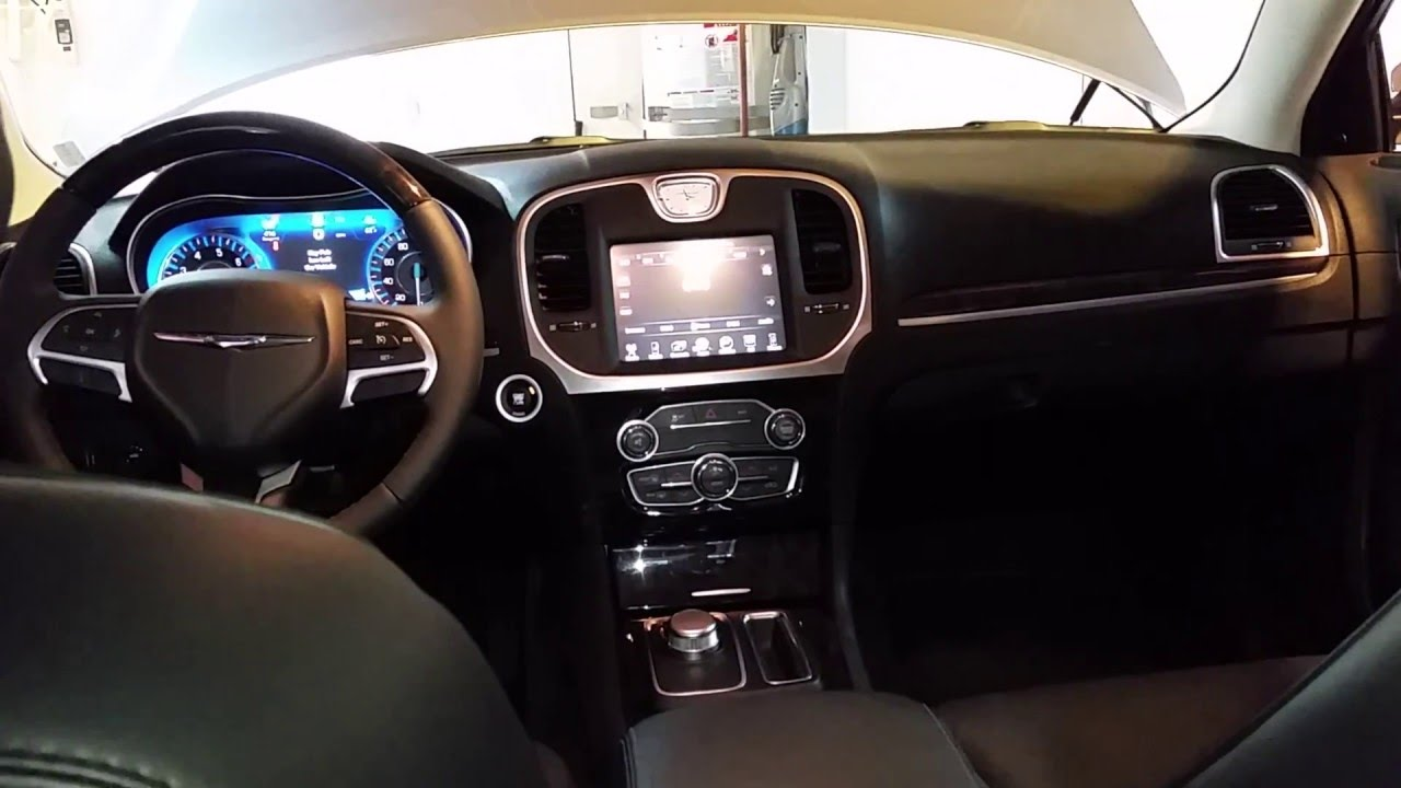 2017 Chrysler 300 Sedan - Quick Interior Tour - YouTube