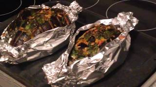 видео Как приготовить баклажаны, запеченные в духовке