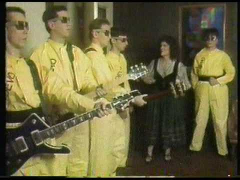 """Fridays TV Show"" (1980) [Show F-10]   Devo - ""Uncontrollable Urge"" (Live)   [10 of 10]"