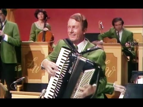"""Myron Floren - """"Lady of Spain"""" - fastest hands on the Accordion"""
