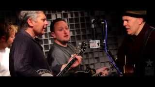 The Gibson Brothers - How Mountain Girls Can Love [Live at WAMU