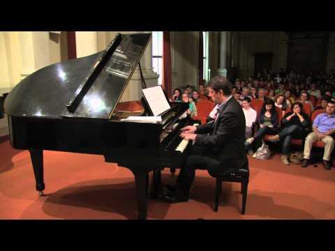 Marcelo Cesena playing Odeon by Ernesto Nazareth