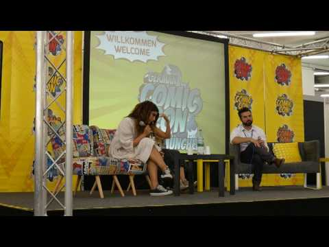 Nadia Hilker and Lindsey Morgan (from The100) answering questions at German Comic Con in Munich 2017