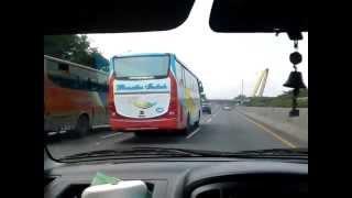 Mengejar Bus Rosalia Indah NL 150 jetset