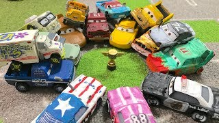 Disney Pixar Cars 3 : Crazy 8 tournament : Mattel & TOMICA