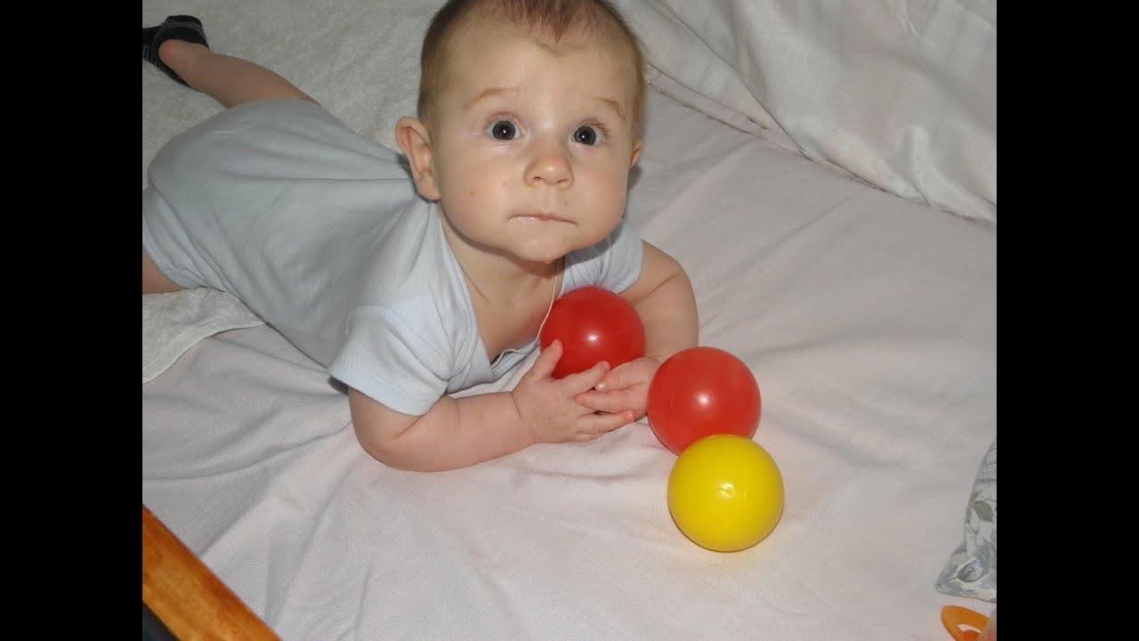 Ребенок в 5 месяцев.Моторное развитие. - YouTube