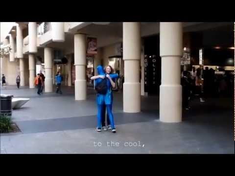 Morphs - Free Hugs in Perth City