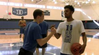 Quinn Cook: Master of Handshakes