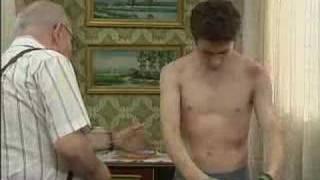 Max&Enric gay story 44 Enric's bruises ENGLISH SUBTITLES El cor de la ciutat