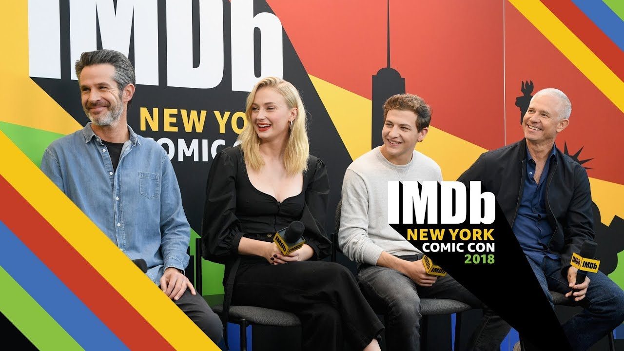 'Dark Phoenix' Stars Sophie Turner and Tye Sheridan Love Director Simon  Kinberg | NYCC 2018