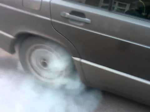Mercedes-Benz 190E W201 1989 2.0 87 kw automatic burnout M102 engine