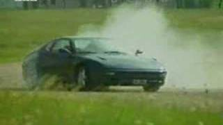 moteur ferrari explosé
