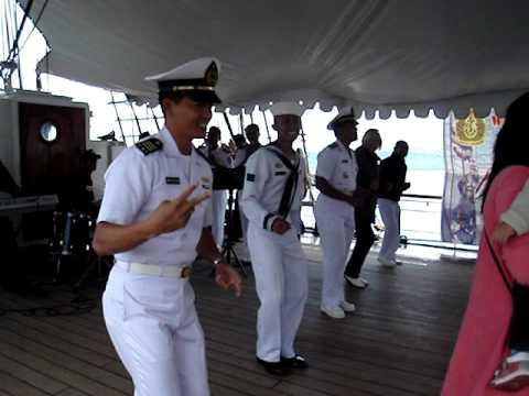 DANCE ON KRI DEWARUCI 21.05.2010