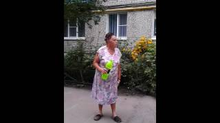Позор!!! Бабкам мешают дети во дворе!!!