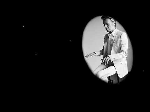 David Bowie playing Pinho Vargas (take47 audiophoto)