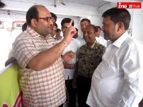NSS volunteers resort to Gandhigiri to promote Swach Bharat Abhiyan
