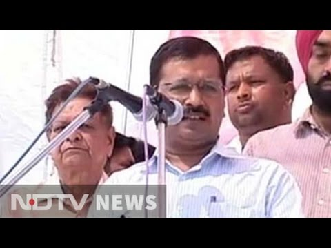 Kejriwal, not Mayawati, campaigns on Kanshi Ram's birthday in his village