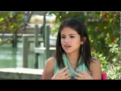 Download Youtube: Selena Gomez Talks about Spring Breakers - ETOnline (Part 2)