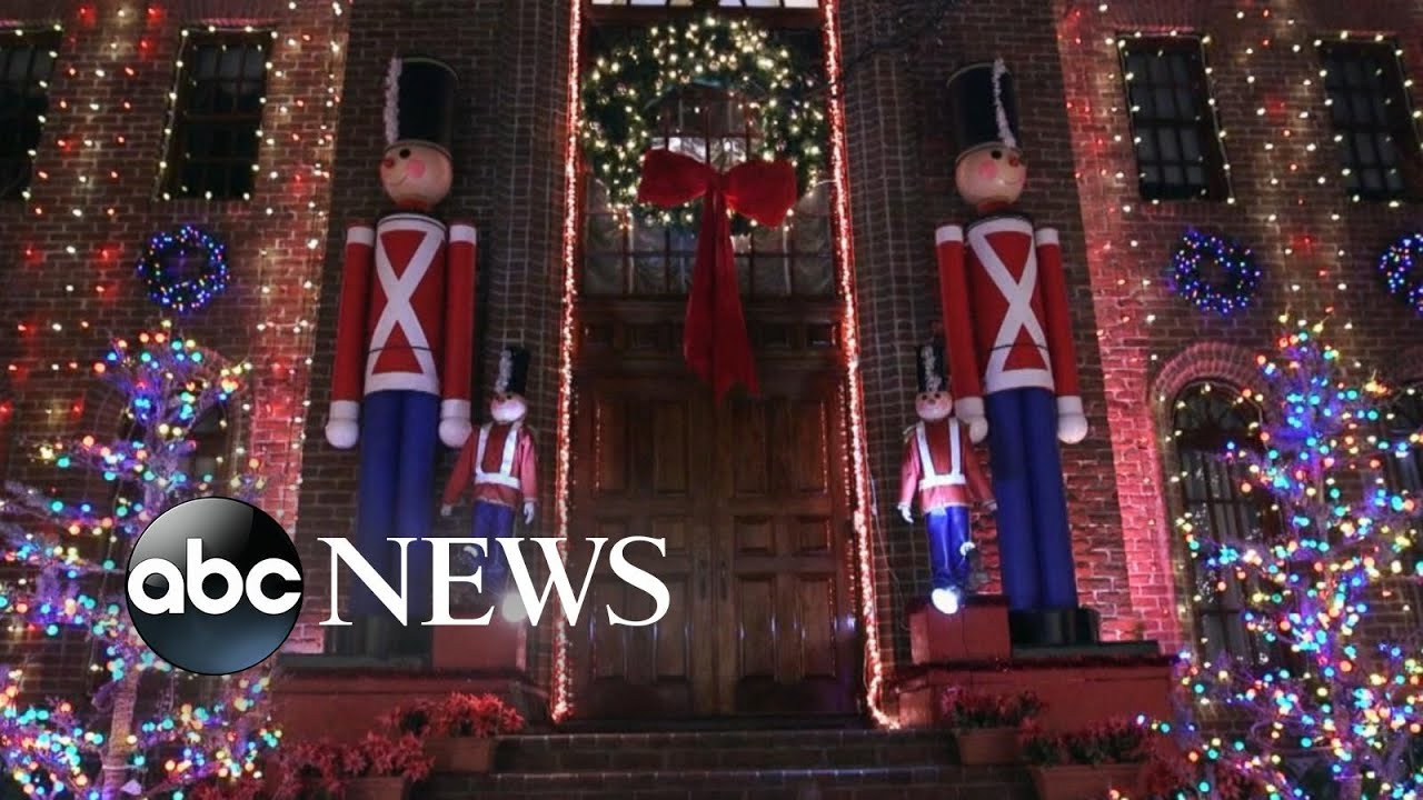 This family transforms home into larger-than-life North Pole ...