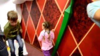 Смотреть видео Видео для детей. Куда сходить в Москве. Дом великана. Москва для детей. Дом великана на арбате. онлайн