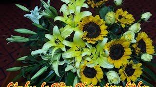 Flower Plug # Flower Plug combination Sunflower and Roses # flower arrangement table