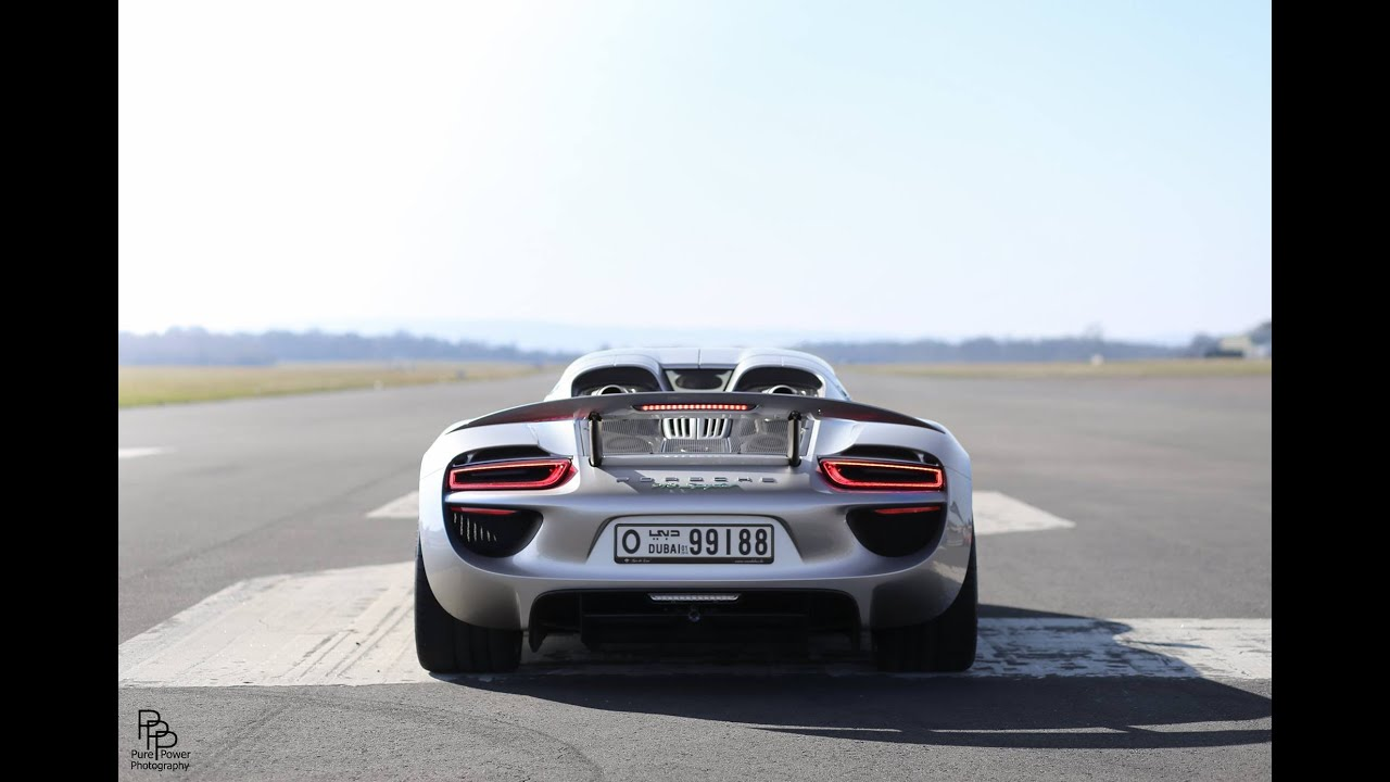 porsche 918 spyder startup porsche 918 spyder wing action accelerations start up youtube. Black Bedroom Furniture Sets. Home Design Ideas