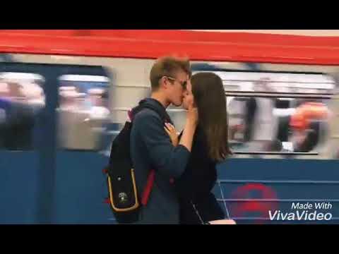 Видео парень целуется с студенткой в автобусе обнимаясь, категория порно видео лесбиянки для любителей порно с лесбиянками