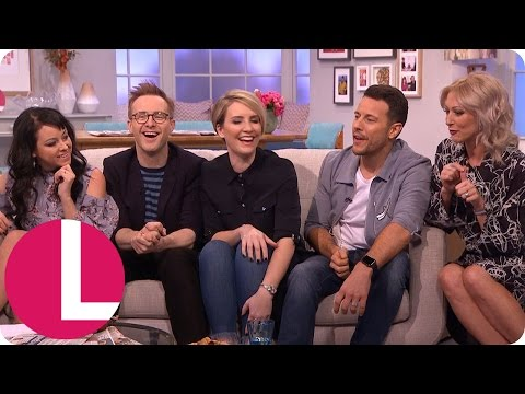 Steps Are Back With Their New Song 'Scared of the Dark'! | Lorraine