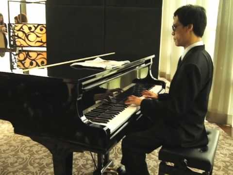 Joe The Blind Pianist Thailand @12 Fl. St.Regist Hotel