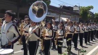 大阪桐蔭高等学校の吹奏楽部(160名)が水木しげるロードにて演奏パレード...