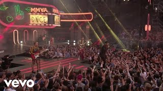 DNCE - Kissing Strangers (Live From iHeartRADIO MMVAs/2017)