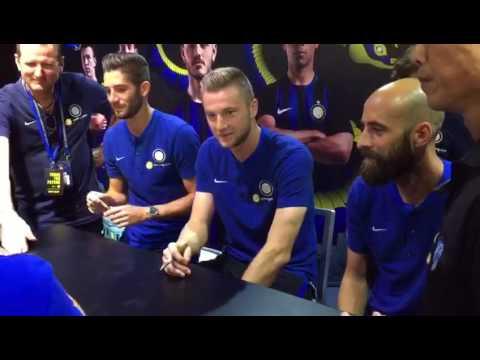 Inter Milan players sign autographs at Kallang Wave Mall