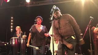 Roger Kom en live avec Kiala Nzavotunga - Jazz band Afrobeat