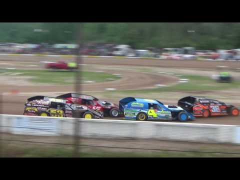 UMP Heat Race #1 at Mt. Pleasant Speedway, Michigan on 08-04-2017.
