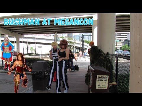 BUSHMAN PRANK AT MEGACON TAMPA