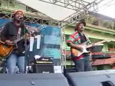 Uncle Reggae - Kurang Besarkah (Live)