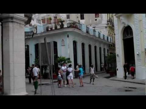 Old Square (Plaza Vieja): La Habana Vieja, Havana, Cuba