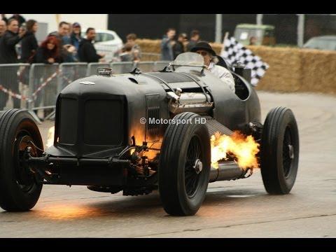 Feuerspeiender 1500 PS starker Packard-Bentley beim