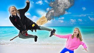 Amelia beach holiday adventure with Avelina and Akim