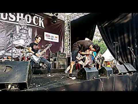 REVENGE THE FATE (Ambisi) Live at JakCloth 2013