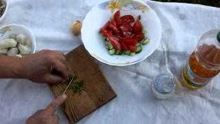 Салат летний с картошкой и помидорами