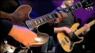 YouTube   Portishead   Glory Box Live On Jools Holland 1994 First TV Appearance