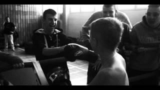 """DrużynaMistrzów3-Kikoraf, Czarny, Bosski-""""K.S. RONIN""""(prod.Rbsn,gitara Marcin Gołka) official video"""