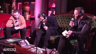 Baixar Arctic Monkeys 24th Annual KROQ Almost Acoustic Christmas