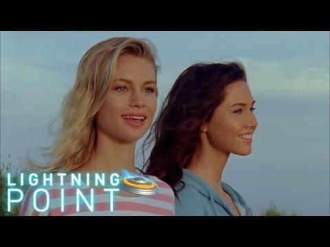 Lightning Point / Alien Surfgirls S1 E1: Wipeout
